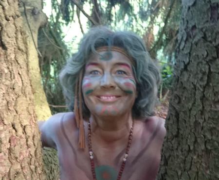 Ursula im Wald 450